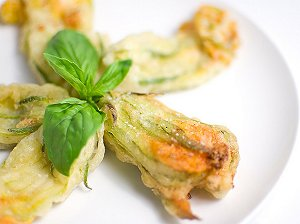 Greek Stuffed Zucchini Blossoms with Rice (Kolokythanthoi Yemistoi me Ryzi)
