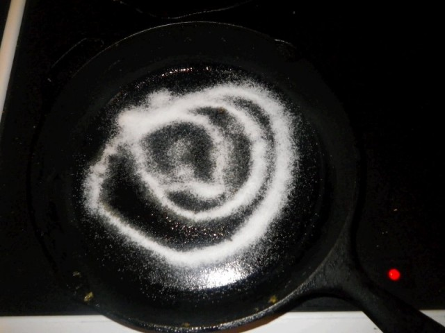 salt in cast iron